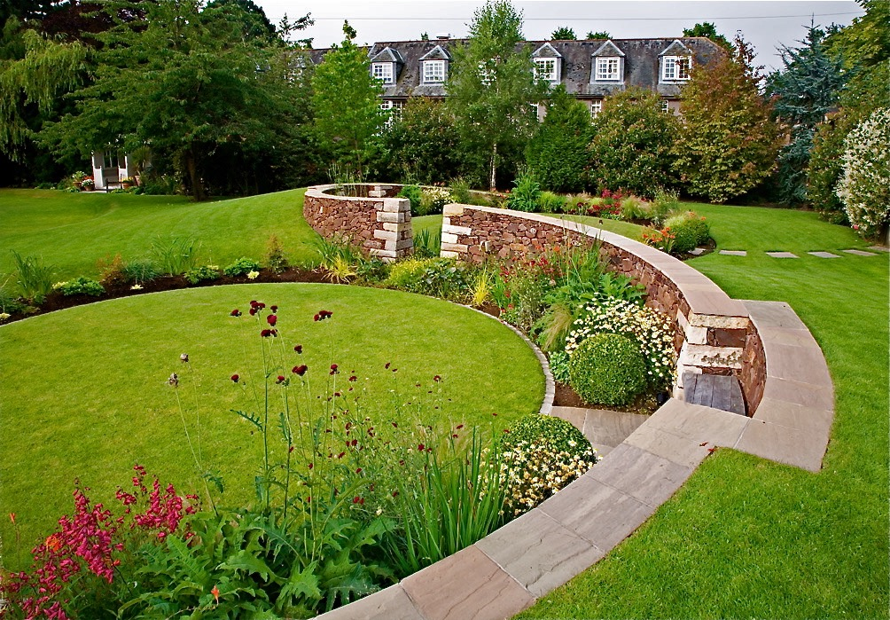 Serpentine wall with circular lawns, designed by Carolyn Grohmann